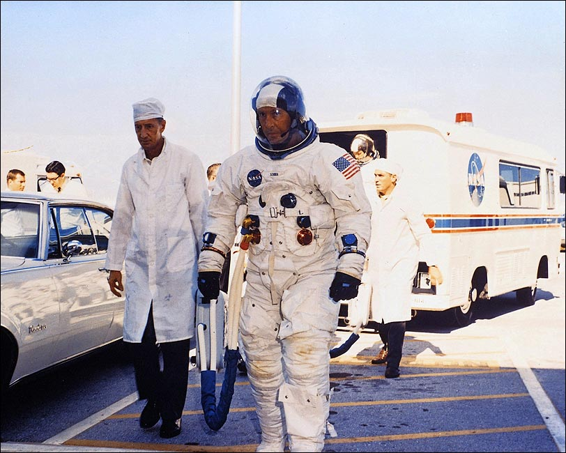 apollo space flight crews - photo #13